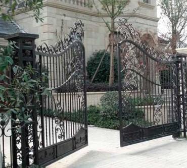 puertas batientes de forja cancelas