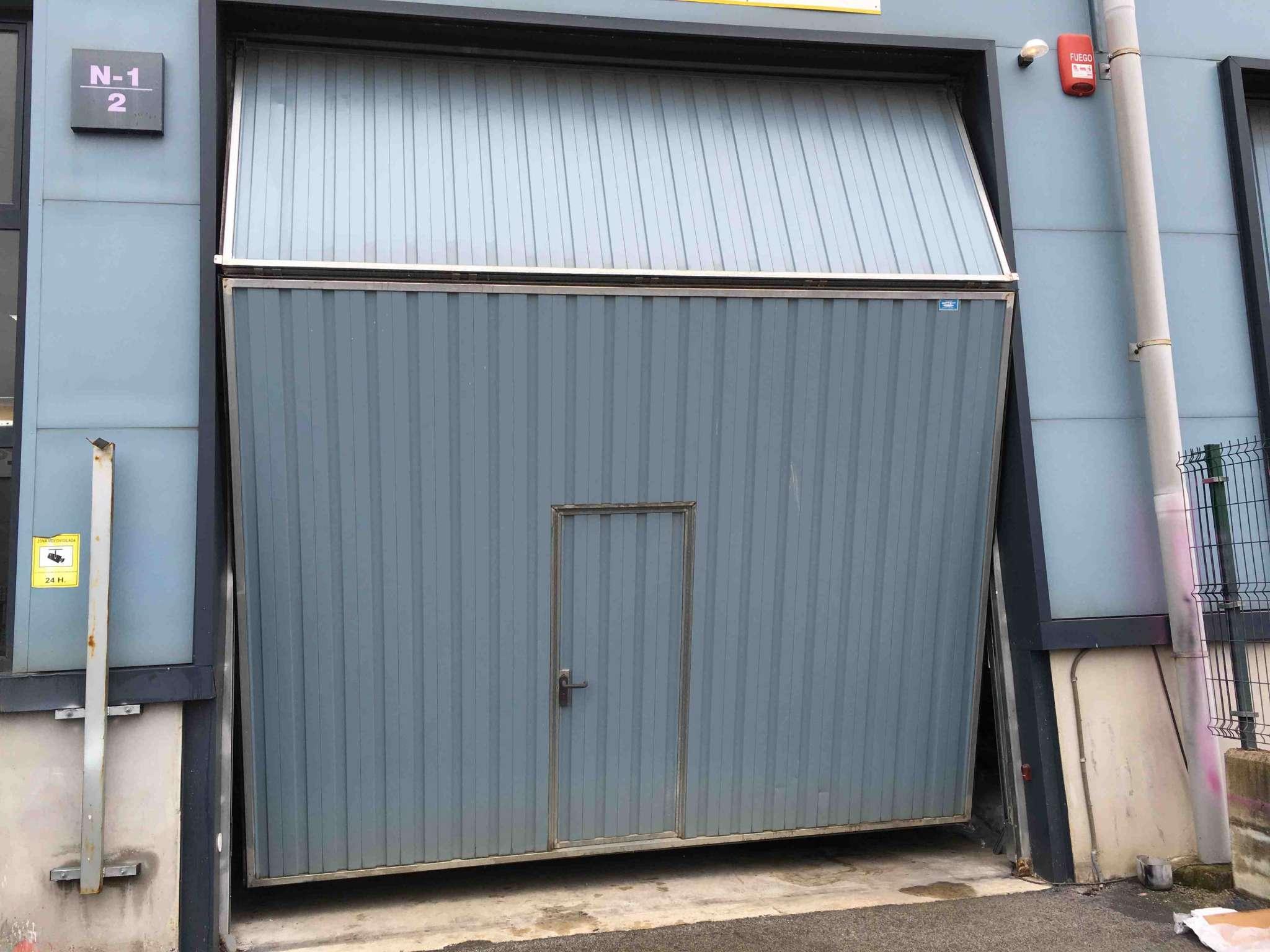 Puertas garaje basculantes precios latest puertas de - Motor puerta garaje basculante ...